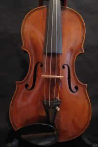 Old violin, built according to Maggini